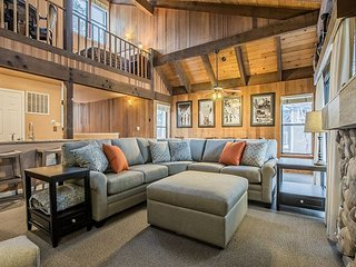 Lakeland Village #454 - 4BR + Loft, Walk to Lake, Fun & Convenient!, South Lake Tahoe