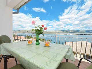 ARBANIJA A3 apartment, 80m from the beach near TROGIR