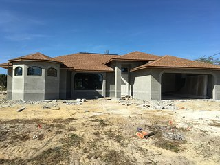 Alisa`s dreamhome , new ready for rental januar 2017, with golf access, Cape Coral