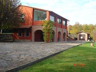 Villa con piscina in affitto