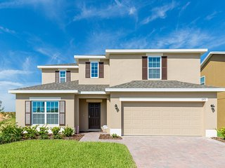 (276-LAUR) Brand New 5 Bed Pool Home, Great Games Room, Disney 15 mins