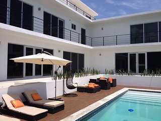 Villa Ballets Negres – Luxurious & Contemporary Villa in Jamaica