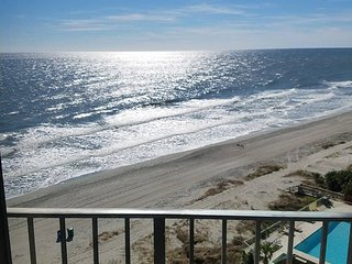 Ocean View Condo - Sleeps 4 - Unit 705 - Amazing Ocean Views!