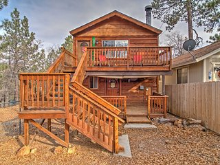 Rustic Cabin w/Decks-Near Hiking and Big Bear Lake