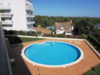 Fantastic 2 Bedroom Apartment with pool