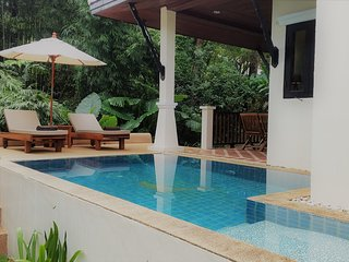 deluxe 2 person hide away jungle bungalow with garden, mountain pool, free WIFI