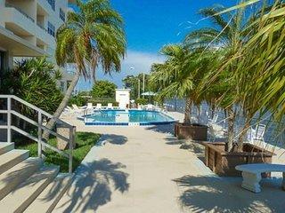 Condo Bella - Elegant Riverside Condo, Fort Myers