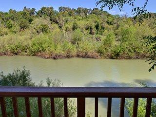 Favorite Riverfront Getaway, Spa, Kayaks, Healdsburg