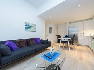 Luxury 2 Bedrooms Apartment by Times Square, Nova York