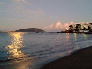 L'AZZURRO DEL MARE...E' L'INCANTO!, Ischia Porto