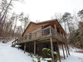A Great Hocking Hills Cabin For Families, Logan