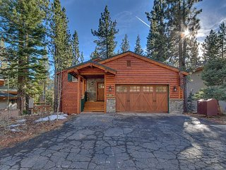 Sherwood Chalet - 3 BR Remodeled Home in Spectacular Setting, Tahoe City