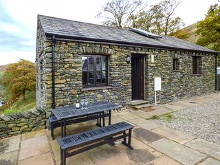RIVER VIEW COTTAGE, lovely cottage on working farm, underfloor heating, beautiful scenery, Tebay, Ref 939954
