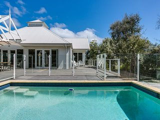 Perfect Blairgowrie Beach House: pool
