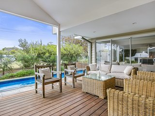 Frimmell * Portsea - with pool & spa