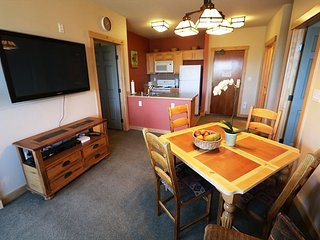 2 Bed/2 Bath, Ski-in/Ski-out, Amazing Views, Sleeps 6!, Mammoth Lakes