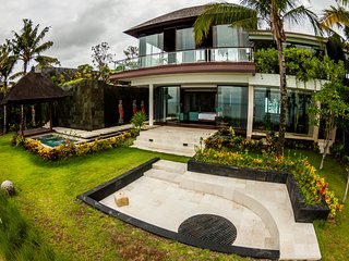 Villa Aum 4 bedroom modern cliff front, ocean views 2 private pools