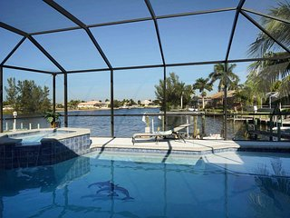 25% OFF! -SWFL Rentals - Villa Ashlyn - Large Gulf Access Heated Pool Home Sleep