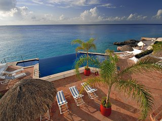 Elegant Oceanfront Condo in Cozumel