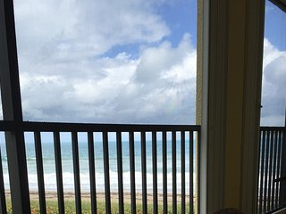 Stunning ocean view 2 bed 2 bath weekly rental directly on the beach!