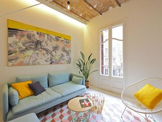 Comte Bright apartment in Eixample Esquerra with WiFi, integrated air conditioni