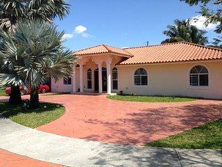 Pool House Near Florida International University (Fiu) ~ RA132907, Miami