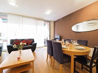Gracia Village apartment in Gracia with WiFi, airconditioning, privéterras & lift., Barcelona