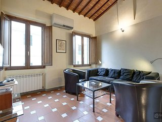 GowithOh - 17913 - Tuscan-style apartment alongside the Galleria dell'Accademia - Florence