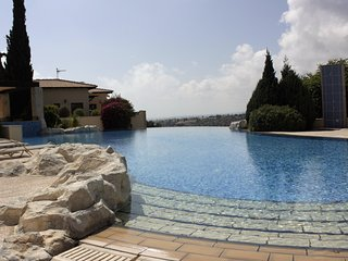 Superb 2 bed, 2 bath, Luxury Apt located at Aphrodite Hills Resort!, Kouklia