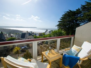 Puffin stunning sea views from both living and bedroom