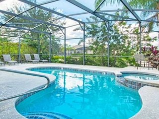 Stunning Pool/spa, Games Room, Luxurious furnishings, wheelchair accessible, Haines City