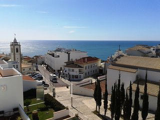 Amazing Old Town Penthouse, balcony, 1 bedroom, air con, sea views, car parking