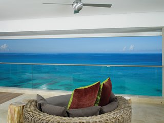 **WONDERFUL RATES AVAILABLE - PLEASE ASK** Portico - 3 Bedroom Luxury Villa, Prospect