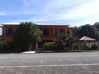 HomeHill Apartments/Vacation Rentals, San Ignacio