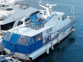 Barco apartamento con parking, Badalona