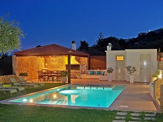 Superb Villa Georgia - Full Privacy-Pool&Jet Spa!, Kolymbari