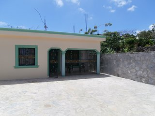 5-10 minute walk to beaches. Quiet, secure, parking, 3 air-conditioned bedrooms., Las Galeras