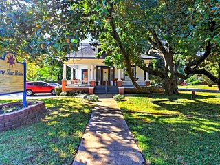 Experience Arlington and its rich history with this historical rental home.