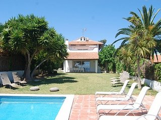 Vallpineda Seaview, Great sea views and garden, AC, WIFI, free daily cleaning