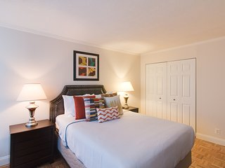 Charming Longfellow Place Apartment by Stay Alfred, Boston