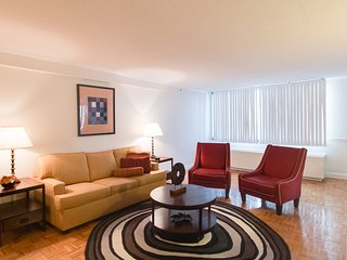 Delightful Longfellow Place Apartment by Stay Alfred, Boston