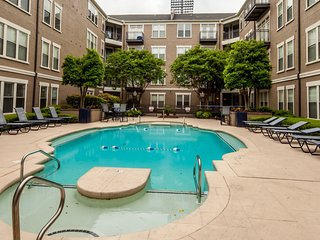 Attractive 4th Street Apartment by Stay Alfred, Memphis