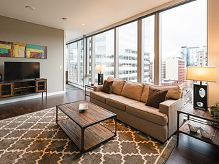 Attractive 9th Avenue Apartment by Stay Alfred, Portland