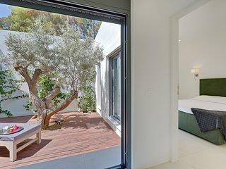 Atrium & Bedroom 3