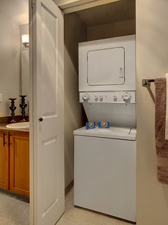 Stay Alfred Seattle Vacation Rentals In Unit Washer & Dryer