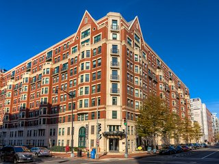 Excellent M Street Apartment by Stay Alfred, Washington D.C.