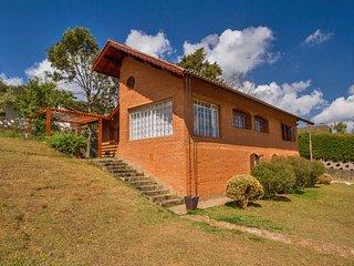 Casa grande com muito espaco externo e linda vista!