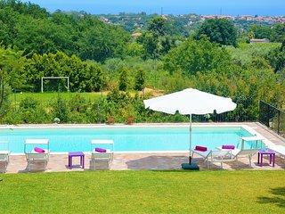 Villa Rosida con piscina, Viagrande