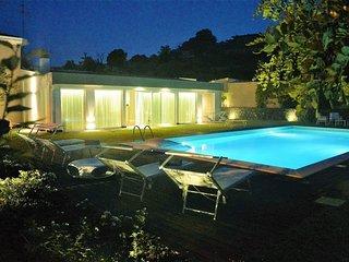 Villa Ermes con piscina, Viagrande