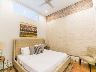 Exclusive Carondelet Street Apartment by Stay Alfred, Nova Orleans